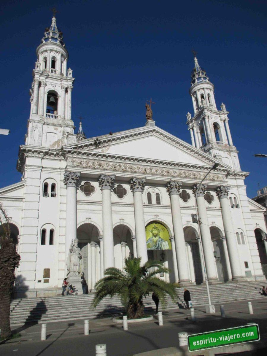 Frente de la Catedral de Paraná