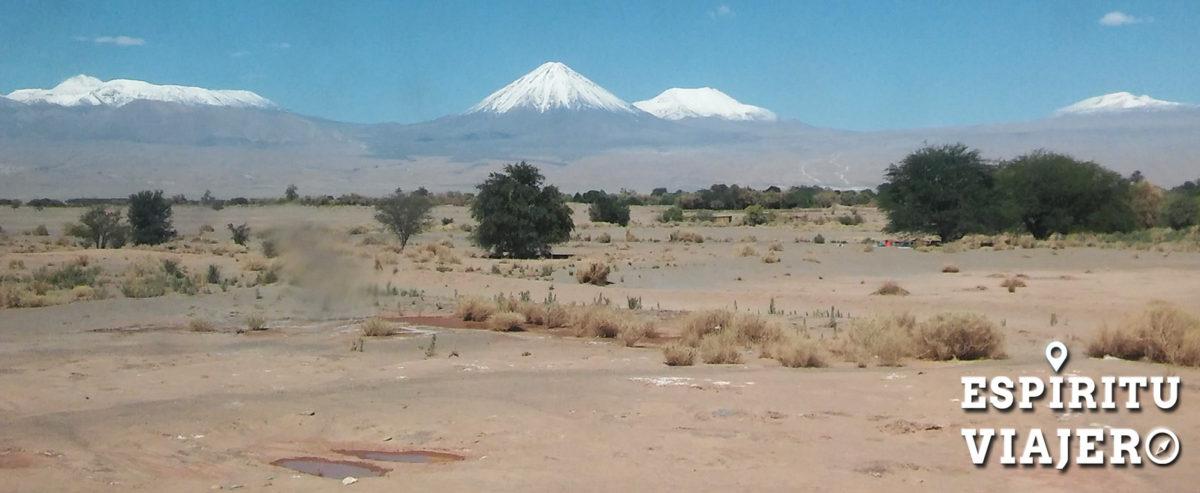 Camino a San Pedro de Atacama desde Calama